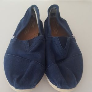 Toms Shoes - Toms Classic Canvas Slip Ons Sz 8